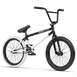 Radio Valac 2021 20.75 black with white BMX bike